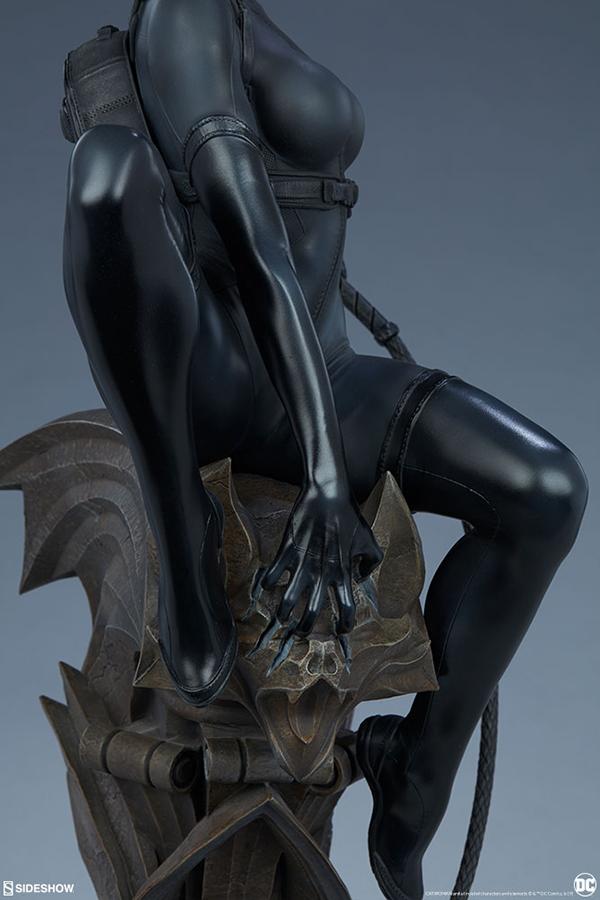 catwoman_dc-comics_gallery_5dc3319daa320